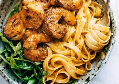 Red Pepper Fettuccine with Shrimp Recipe – Pinch of Yum